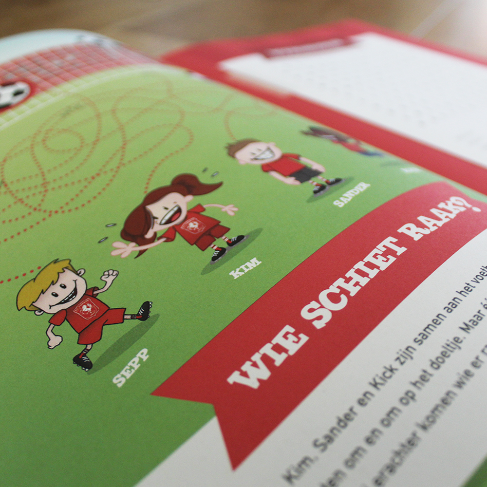 FC Twente Kidsclub Doeboek